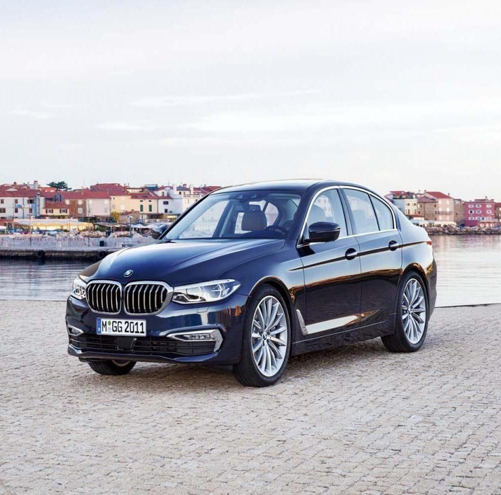 Новая трешка BMW