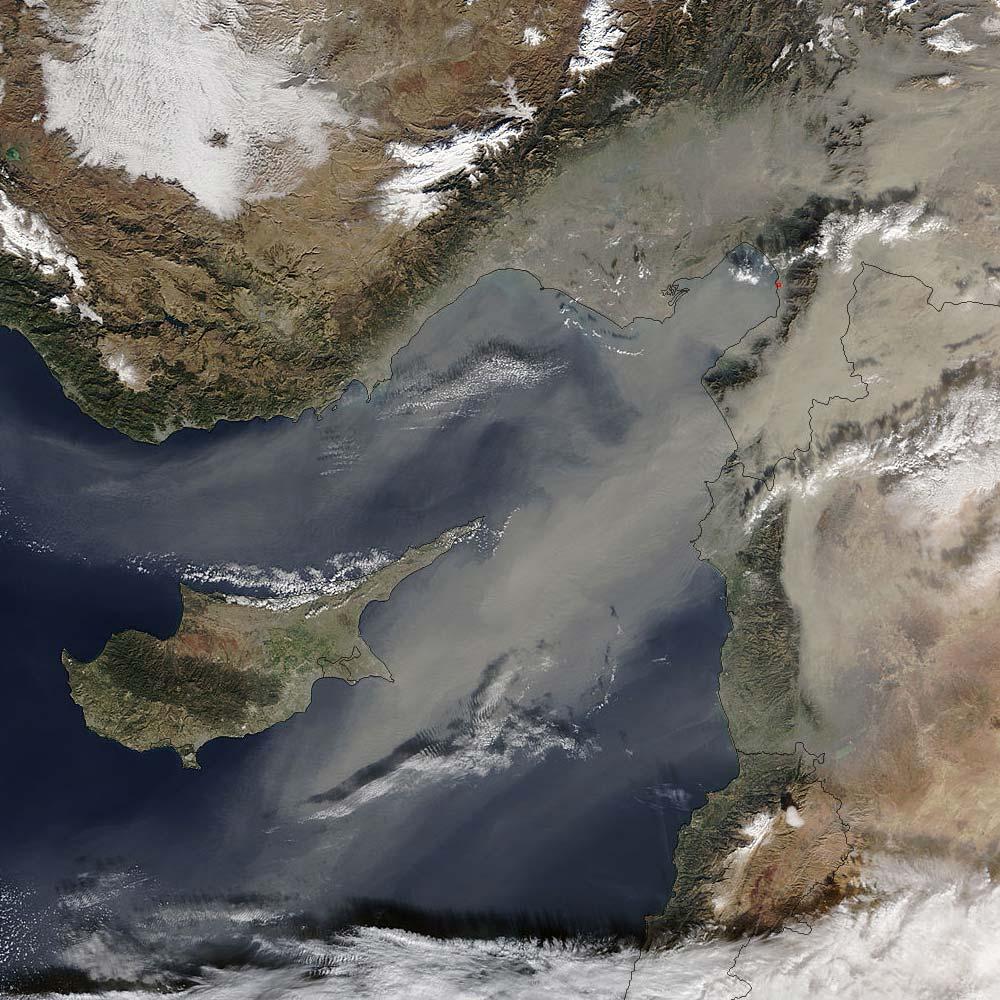 На острове снова повышен уровень пыли