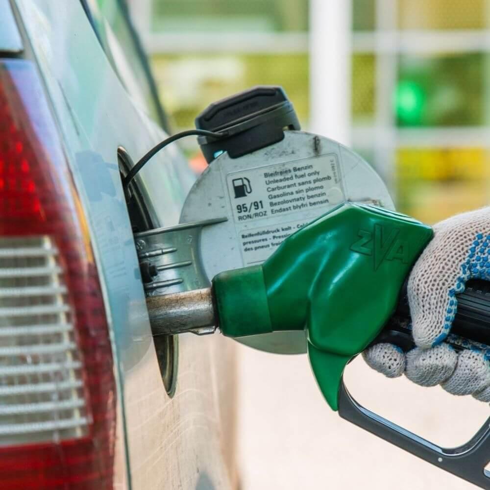 Снижение цен на бензин на Кипре: закон принят, но прения продолжаются