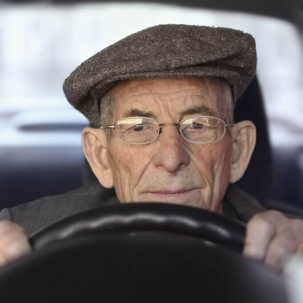 Осторожно, оползни: водитель-пенсионер едва не погиб на дороге