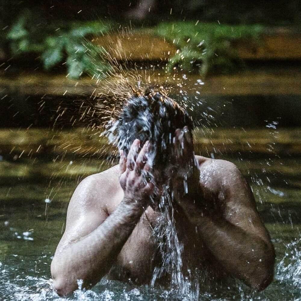 Каждый пятый житель России сегодня и завтра собирается поучаствовать в Крещенских купания