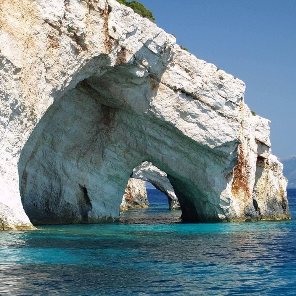 У острова Кипр нашелся мини-близнец в Греции
