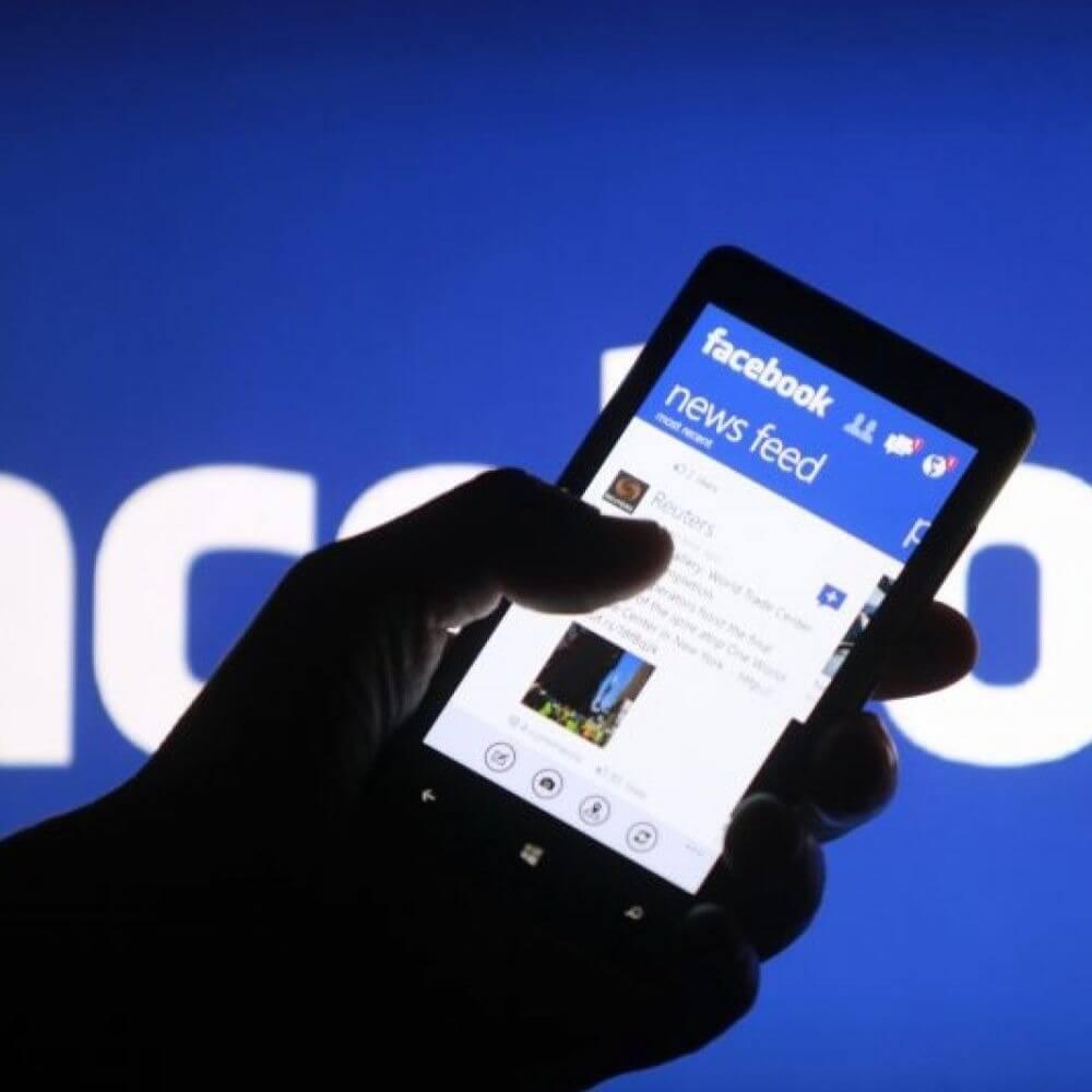 Фейсбук ужесточает правила размещения политической рекламы