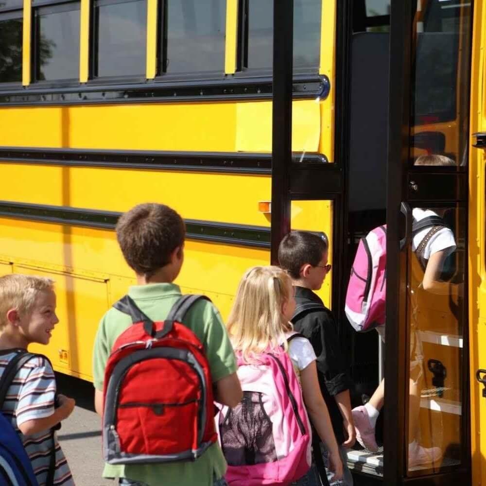 Школьникам Ларнаки «продлили» каникулы водители автобусов