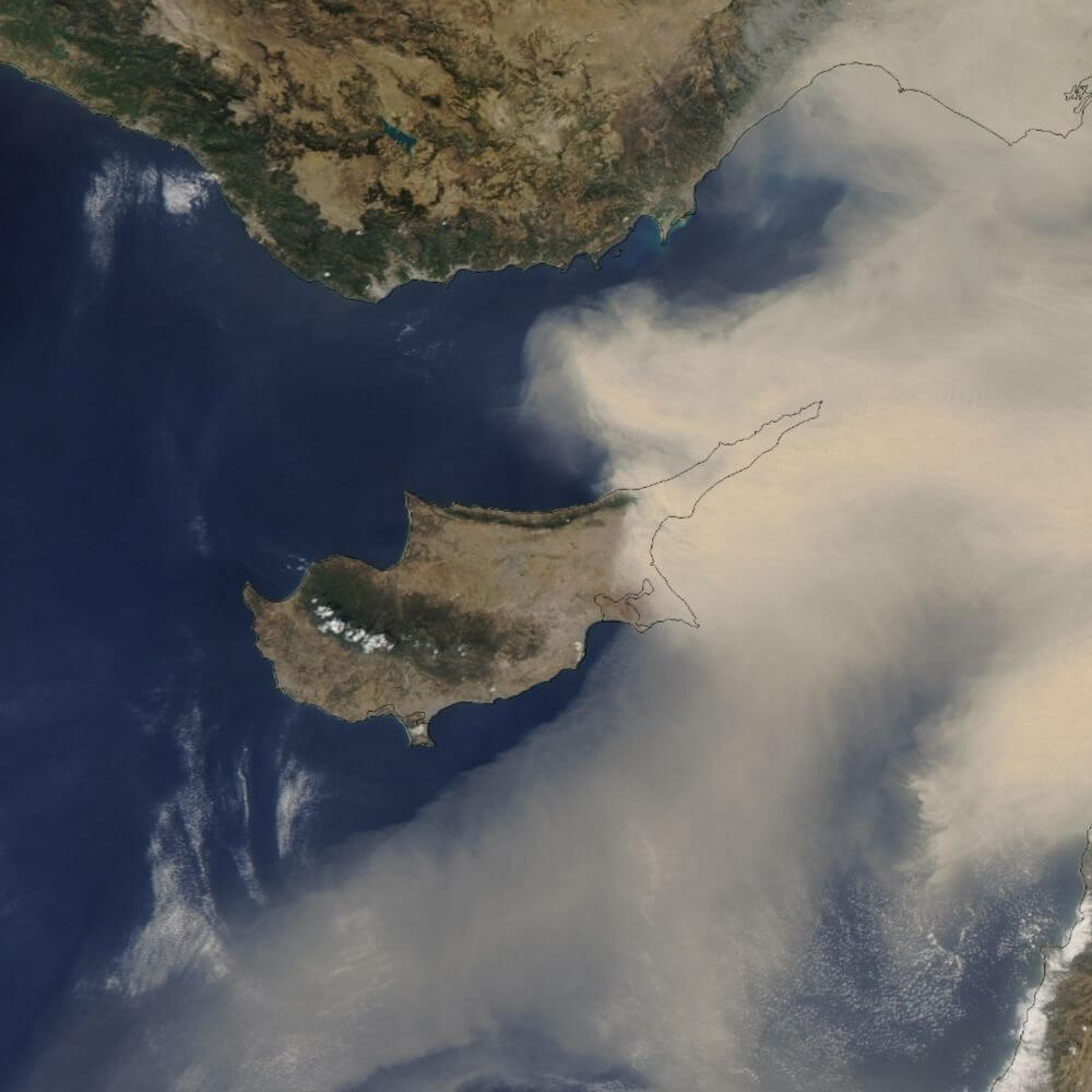 Пыль на Кипре: желтый уровень опасности. С четверга ожидается ухудшение ситуации
