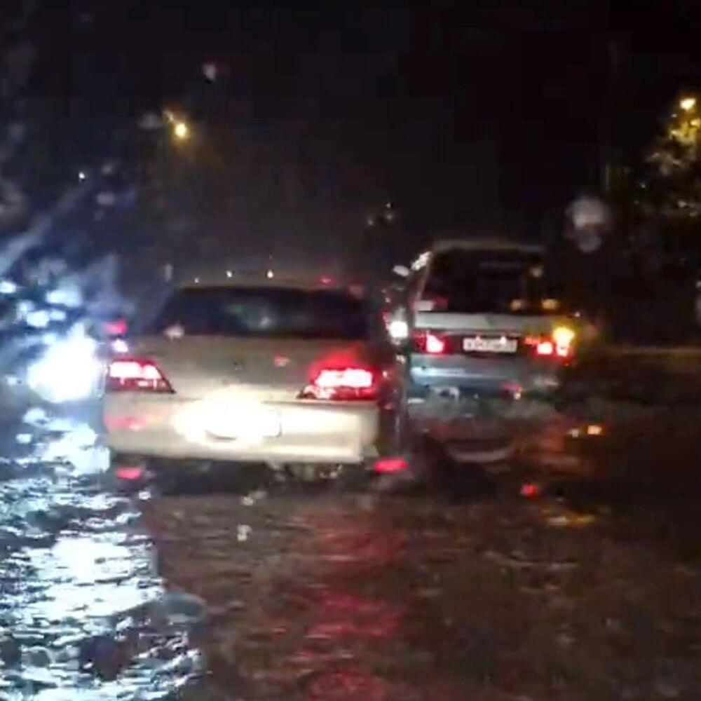 Из-за дождей и ливней некоторые дороги Кипра закрыты